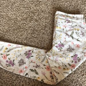 NWT old navy pixie ankle length floral pants